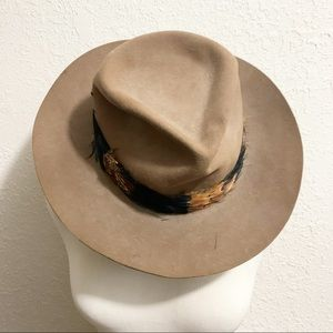 Tiger by Gil Truedesson vintage hat